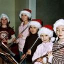 Die Bläserklasse zum Weihnachtskonzert, Querflöten